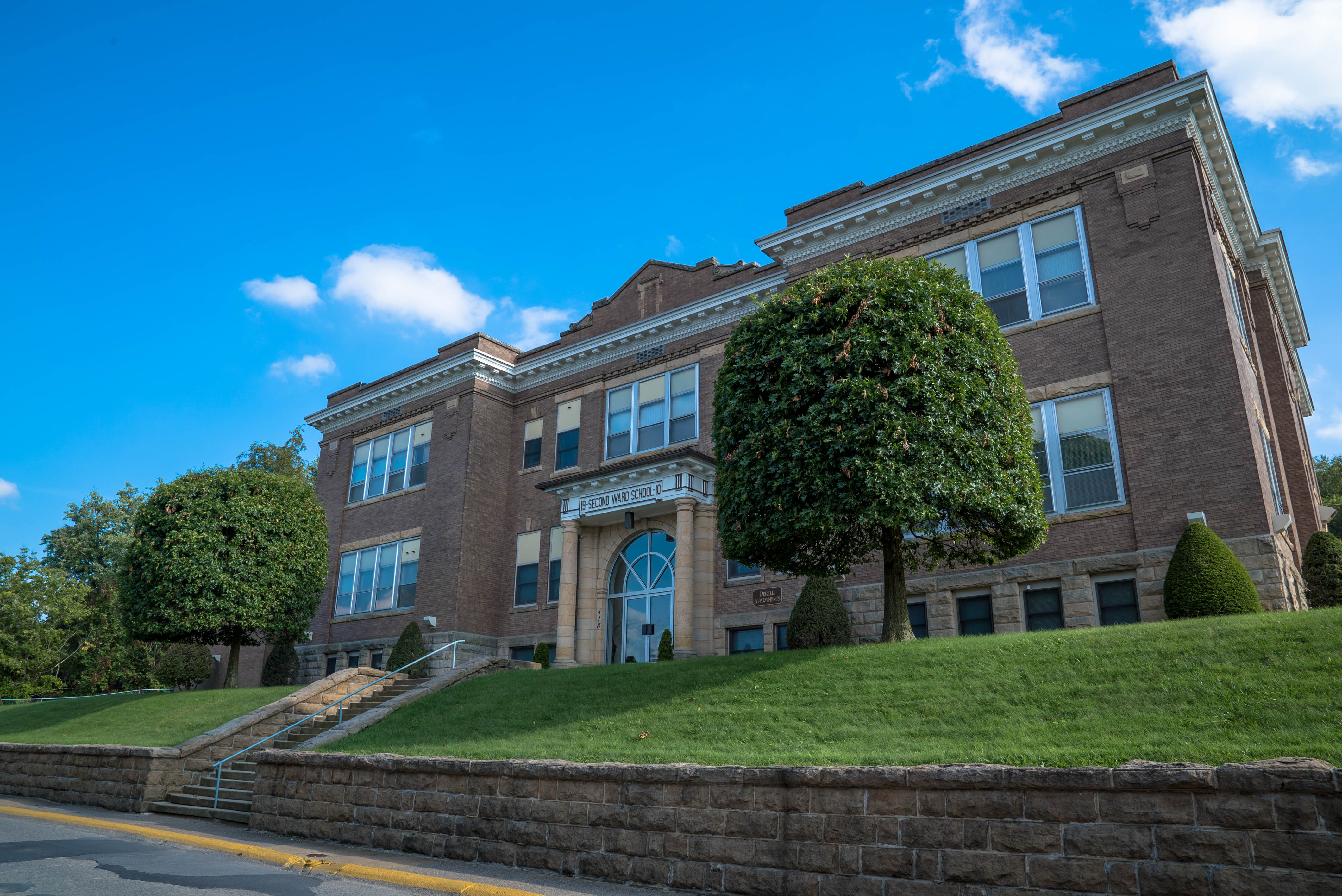 Perilli apartments quality morgantown apartments and townhomes for One bedroom apartments morgantown wv